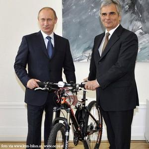 http://www.velotandem.ru/vts5/Putin.jpg